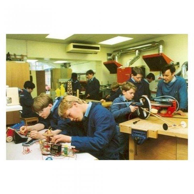 """Профессиональная переподготовка и повышение квалификации Преподавание предмета """"Технология"""" в современных условиях реализации ФГОС. Повышение квалификации дистанционно."""